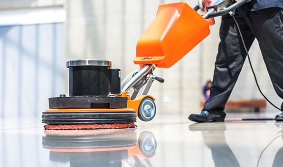 Gör fastighetsskötseln enklare med våra golvrengöringsmaskiner!